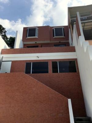 Casa en venta ubicada en Altos de Montebello