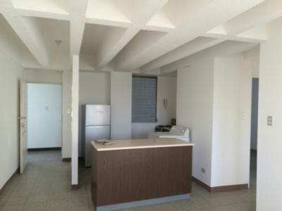 Rento apartamento de 2 dormitorios ubicado en zona 13.