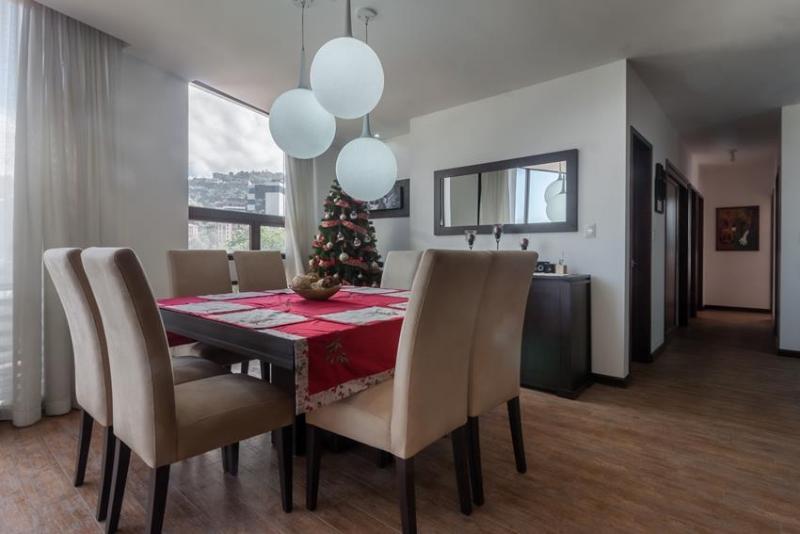 Apartamento con finos acabados en VH II, zona 15