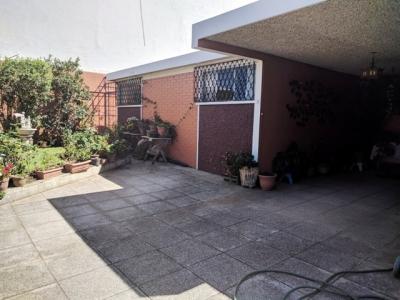 MAS 1: Venta casa 1 nivel para remodelar en Zona 15 Colonia El Maestro II