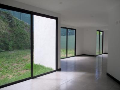 Zona 10 Vendo preciosas casas adentro garita seguridad