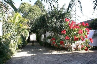 Casa colonial muy bonita en venta ubicada en Las Charcas, Zona 11