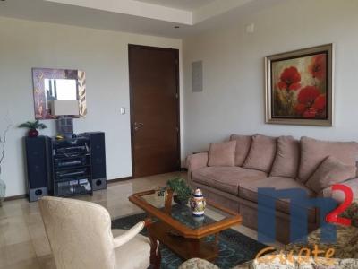 Apartamento de 173 m2 de construcción en Venta, Zona 15