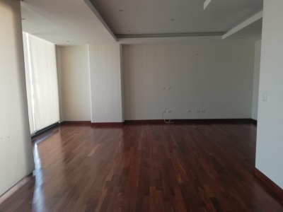 Amplio Apartamento en Renta en zona 10