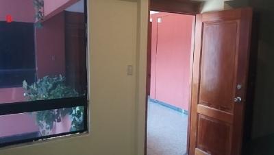 Alquiler oficina en zona 9, a 2 cuadras de calle Montúfar