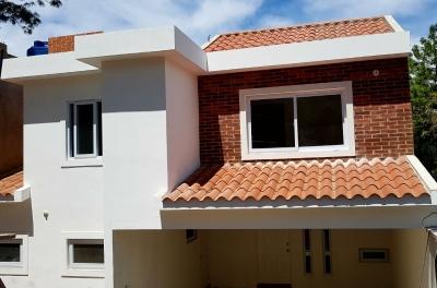 Preciosa Casa 3 Dormitorios para Estrenar Colonia Montesano zona 16, en Venta.