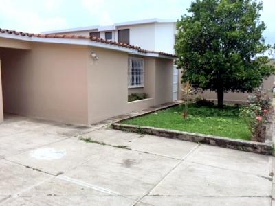 Casa en renta ubicada en Jardines de San Isidro Zona 16