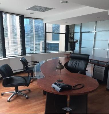 Oficina en Europlaza Amueblada, Zona 14 / 160 m²