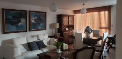 Lujoso apartamento en venta, excelente ubicación en zona 15.