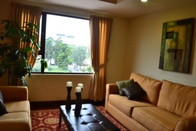 Apartamento Amoblado en Alquiler zona 10, 2 Habitaciones, 135 m2, US$1,500