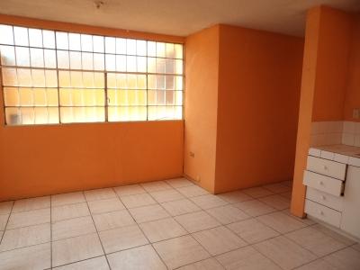 Casa de dos niveles o Apartamentos Independientes