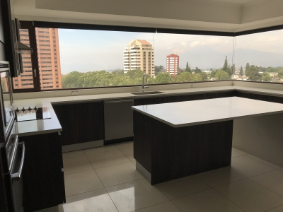 Apartamento en venta zona 14, nivel alto