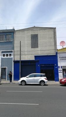 2 locales y bodega en Avenida Elena