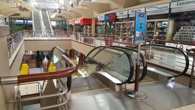 Local con excelente visibilidad en Centro Comercial Los Próceres