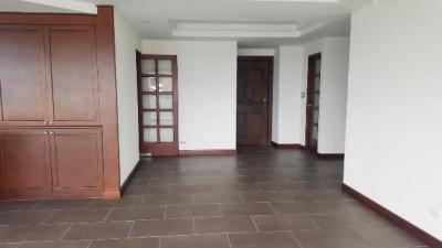 Apartamento amplio en zona 14