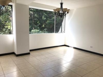 Apartamento en venta de 3 dormitorios en Z. 10