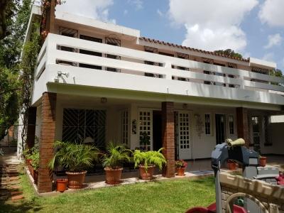 Contry Club, Zona 11 / 5 Dormitorios