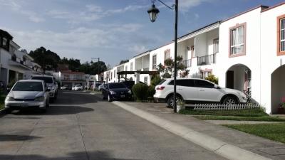 Casa en Alamedas de San Gabriel, Sector 1