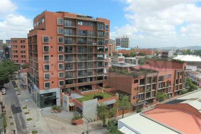 AlquiloGT Apartamento amueblado de 2HAB y 1PARQ en zona 4 Grados Norte