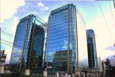 Oficina en renta ubicada en zona 14 Edificio Europlaza