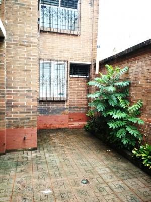 Casa en renta, Zona 14