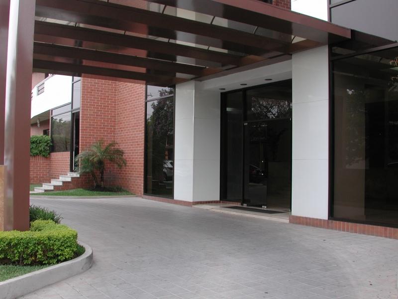 VENDO BELLEZA DE APARTAMENTO EN EXCELENTE CONDICIÓN, ACABADOS DE ALTA CALIDAD, PLUSVALÍA