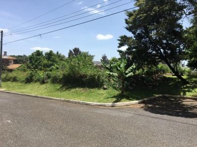 Terreno de esquina en venta Jardines de San Isidro