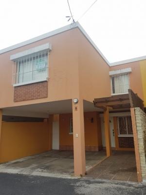 Casa en Prados de Monte María