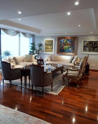 VENDO ZONA 14 Precioso apartamento Nivel Alto Vista Espectacular