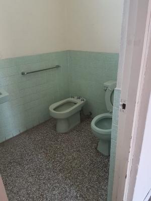 Vendo Casa en Sector Comercial De Oakland 2 Zona 10, CONTACTANOS PARA MAYOR INFORMACIÓN