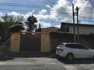 Casa con piscina en venta zona 15 VH1