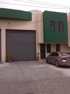Ofibodega con oficinas tabicadas y amueblada en Calzada San Juan y 35 Ave. zona 7