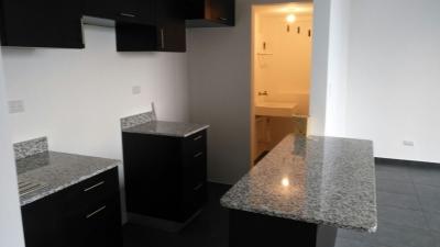 Rento Apartamento en zona 11 las Charcas en Edificio