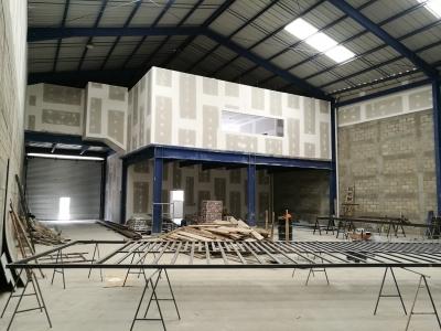 Bodega de 500m2 en Sector Industrial de El Naranjo