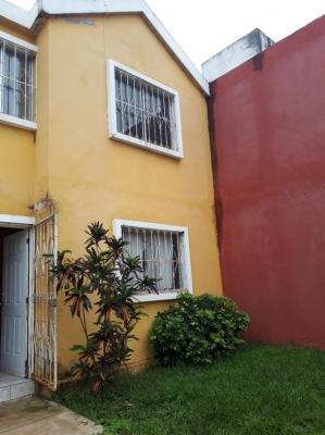 CityMax renta casa en Zona 18, Villas de Alcalá, kilómetro 14.5 carretera al Atlántico, de dos niveles con garita de seguridad