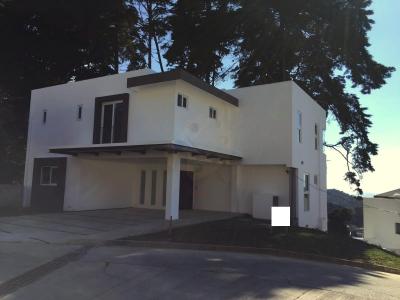 Casa en venta ubicada en el km 12.5 Carretera al Salvador El Socorro