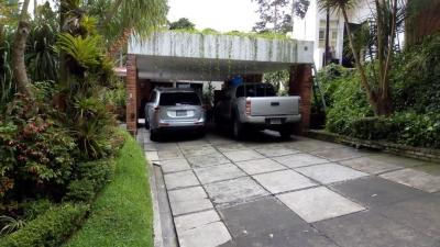 Vendo casa en km 14.5 Carretera Salvador Residenciales Puerta