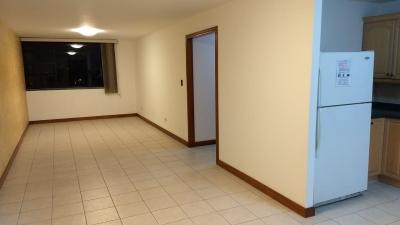 Apartamento en Venta Zona 14, 2 Habitaciones, 109 m2, US$ 160,000