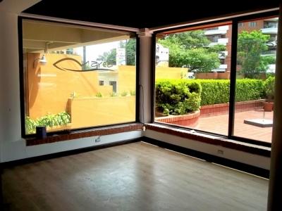 Local comercial de 50 m2 venta  para inversionista  Zona 14