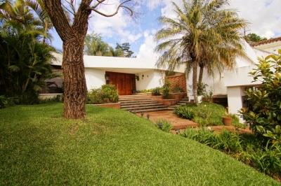 Casa en venta, Zona 10