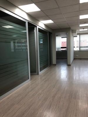 Oficina en renta en Edificio zona 13