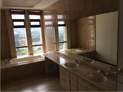Bonito apartamento de 3 habitaciones sin amueblar, Diagonal 6 zona 10