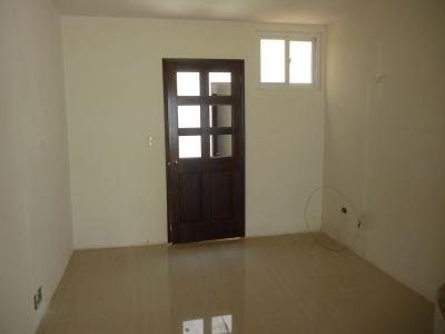 En venta casa nueva, dentro de Hacienda Real Zona 17