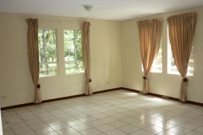 Apartamento en Venta Zona 13, 3 Habitaciones, 157 m2,  US$ 110,000