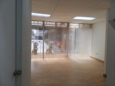 Oficina 35 m2 en Alquiler Tivoli Plaza zona 9