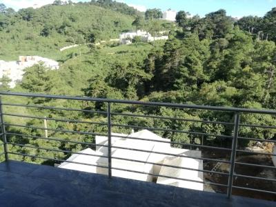 Renta APARTAMENTO $900.00 mantenimiento incluido.  Zona 16. 143 mts2, 3 Habitaciones.