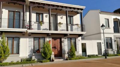 Vendo casa en Ramblas de Cayala zona 16