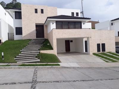 Vendo casa en Lomas de San Isidro zona 16