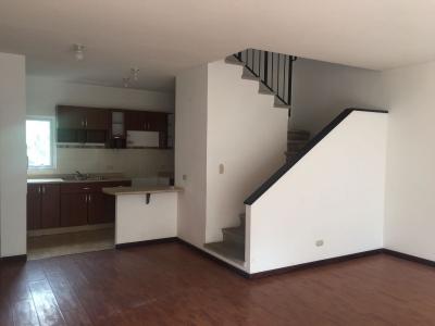 Vendo apartamento en km 14.5 Carretera Salvador Muxbal