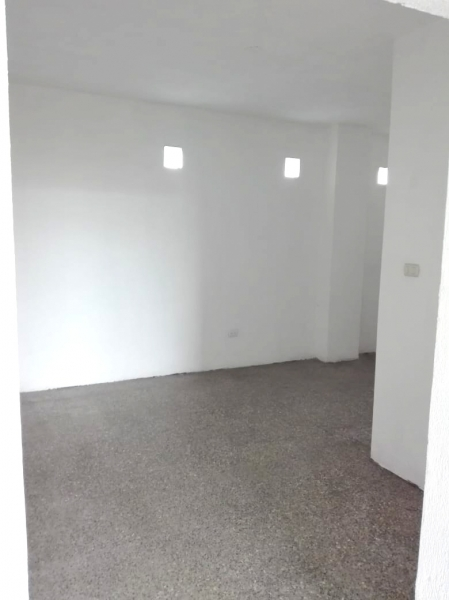 Local en renta ubicado en zona 3 sobre avenida bolívar